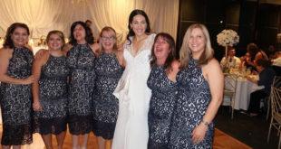 Nisu djeveruše niti pop band, a 6 žena obuklo identičnu haljinu za vjenčanje